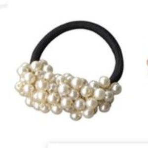Pearl Cluster Hair Tie Set of 2 New